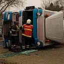 Vrachtwagen met mest gekanteld op N35 Raalte (update)