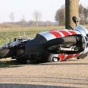 Motorrijder ten val op de Velsdijk in Wesepe