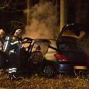 Bestuurster ziet eigen auto uitbranden in Heino