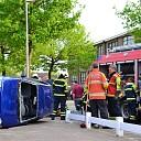 Auto op zijkant na uitwijkmanoeuvre op Zwolseweg Heino