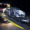 Twee gewonden bij auto tegen boom bij Windesheim