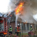 Grote brand rietgedekt pand Stokvisweg te Heeten