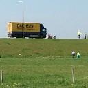 Auto botst tegen vrachtwagen op de Rijksstraatweg te Olst