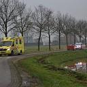Fietsster gewond bij frontale botsing met auto