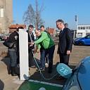 Elektrisch laadpunt geopend door Jacques van Loevezijn