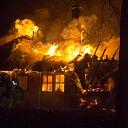 Woonboerderij uitgebrand in Lemelerveld (video)