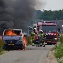 Brand verwoest bestelbus aan de Velsdijk in Wesepe