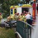 Automobilist botst tegen brugleuning Laag Zuthem