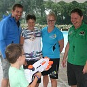 Remco de Groot 25.000e bezoeker zwembad de Tippe