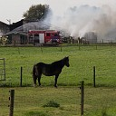 Ongeval bij schuurbrand in Lemelerveld (video)