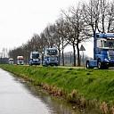 Truckersrun met veel getoeter door Salland