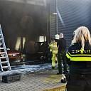 Brand in werkplaats bij autobedrijf in Zwolle