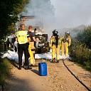 Video: Landbouwvoertuig brandt uit in Wesepe