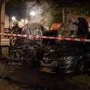 Auto's gaan in vlammen op in Deventer