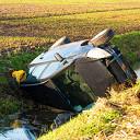 Automobilist belandt  in sloot tussen Herxen en Zwolle